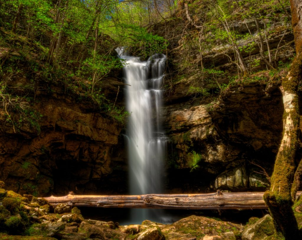 Lost Creek Falls photo by Don Hunter